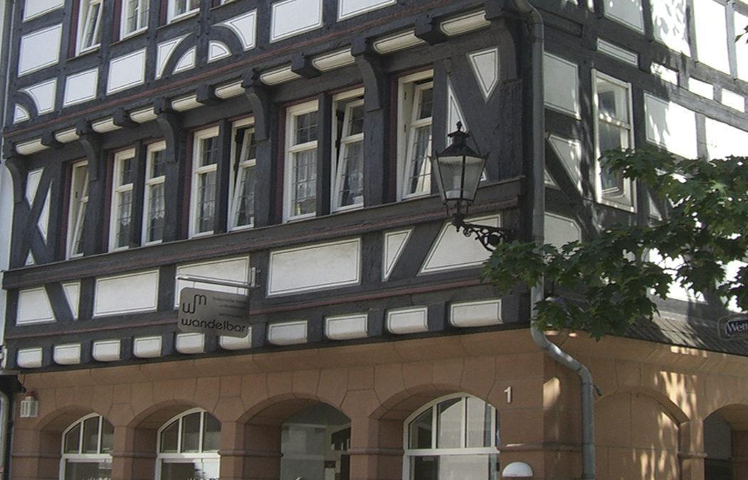 1987 Wohn- und Geschäftshaus – Altstadt Marburg